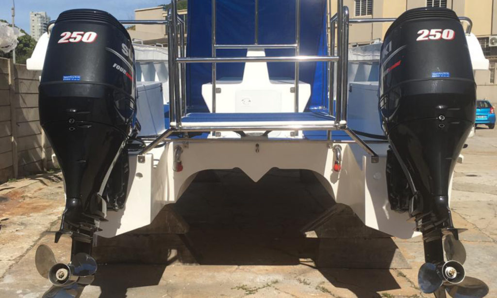 New Boat Port Elizabeth PE shark cage diving tours fitted with Suzuki DF250 by Nauti-Tech Suzuki