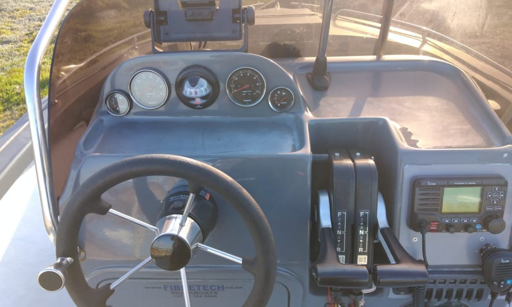 c ski, 560, used, second, hand, for sale, boat, fibertech, certified, good, condition, great, diving, fishing, scuba, mono, hull, suzuki, df60, with, motor, trailer, garmin, immaculate